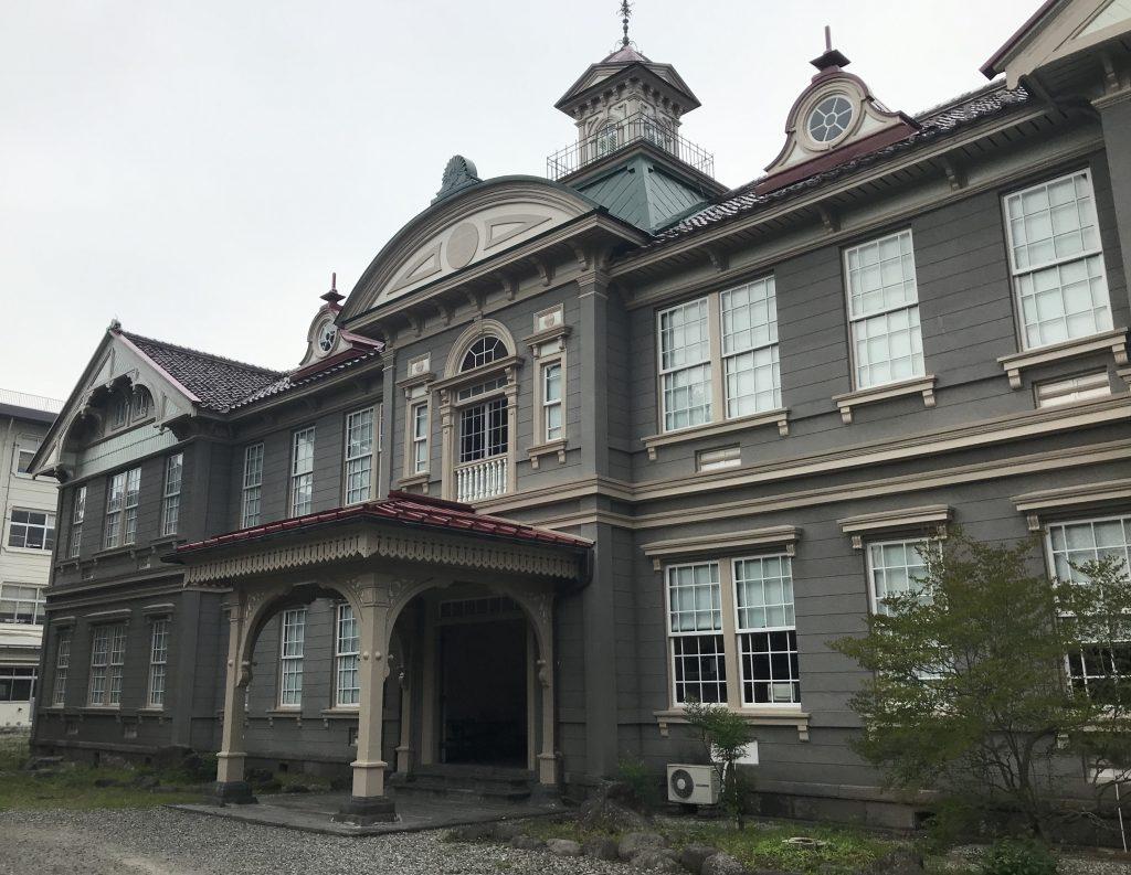 【山形市】当時の面影が今も残る『山形県立博物館 教育資料館』